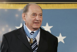Tibor Rubin at the White House