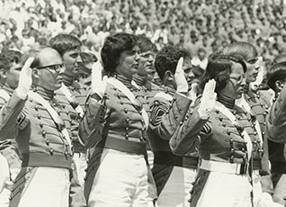 dbc92b67f15 Female soldiers first graduate from West Point USMA in 1980