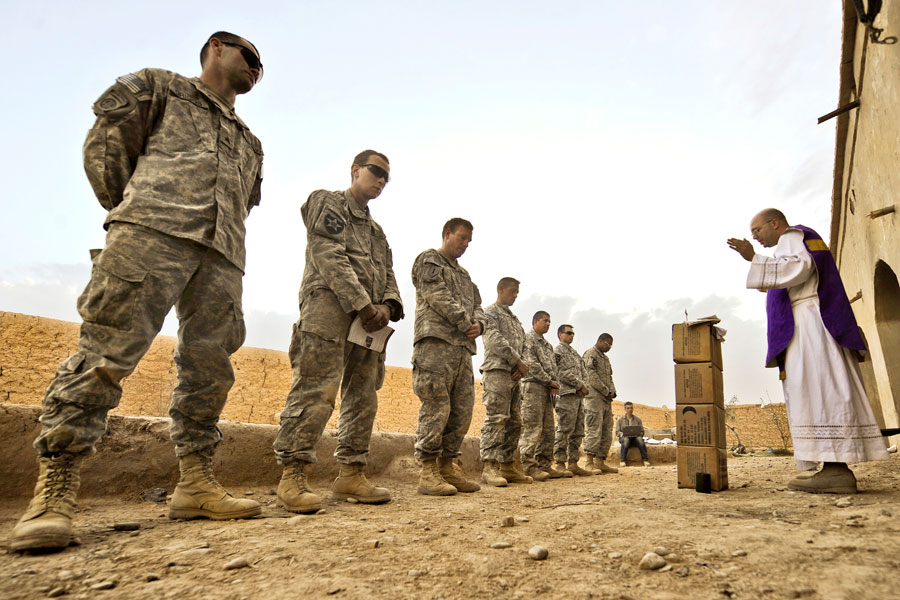 Chaplain delivers Catholic mass to Soldiers from Alpha Company