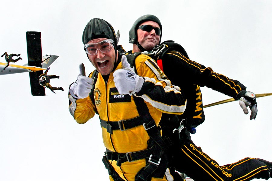 Staff Sergeant Joe Jones and Staff Sergeant Salvatore Giunta go on tandem parachute jump